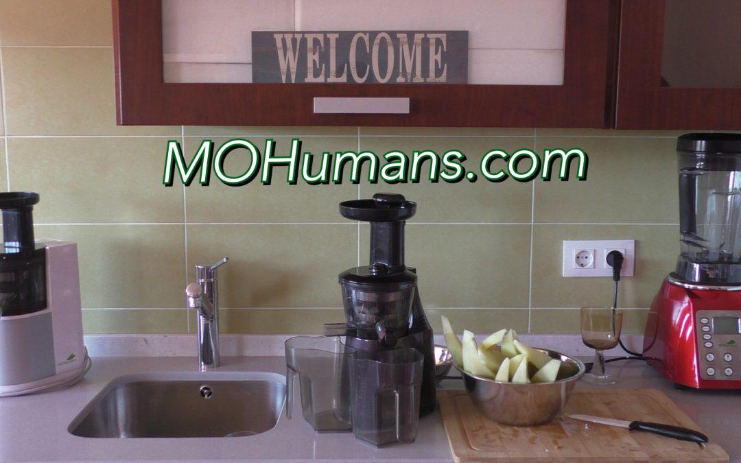 Vídeo realizando zumo de melón con el extractor de zumos MOHumans DY 200.